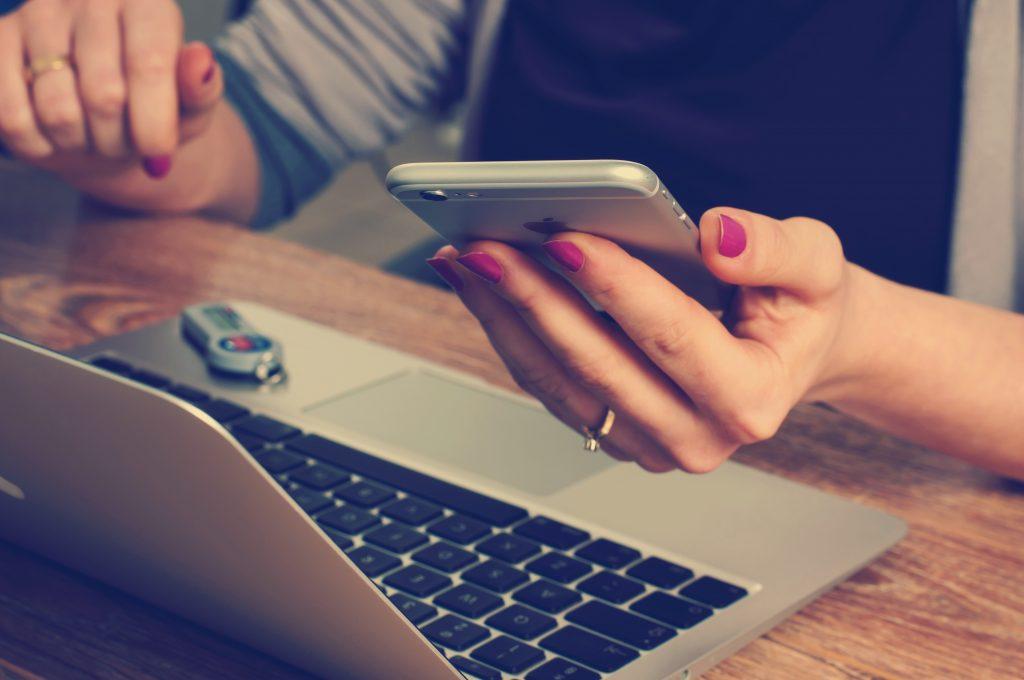 A Számlaheggyel a számlakiállítás mobilról is csak 2 perc!